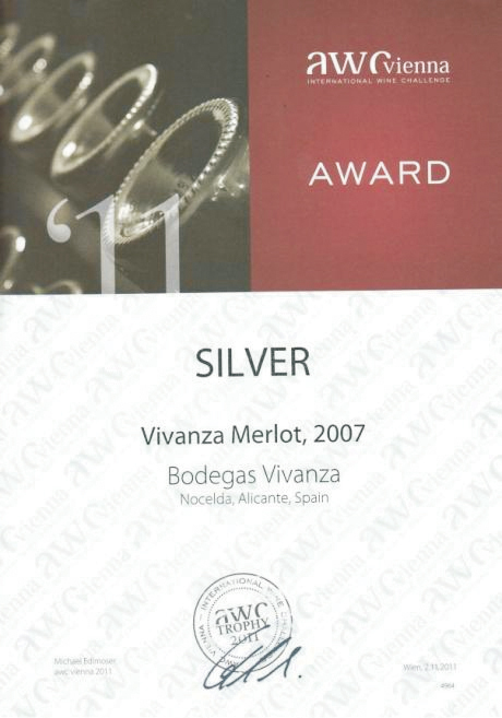 "International competition diploma and silver medal of AWC Wienna for ""Vivanza Merlot"""
