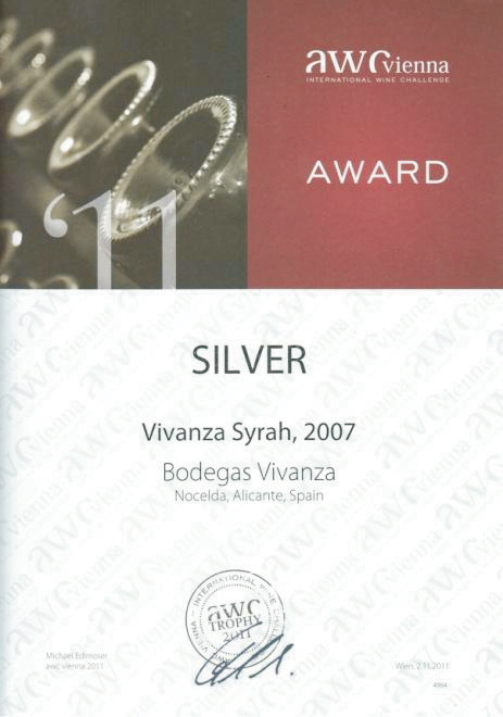 "International competition diploma and silver medal of AWC Wienna for ""Vivanza Syrah"""