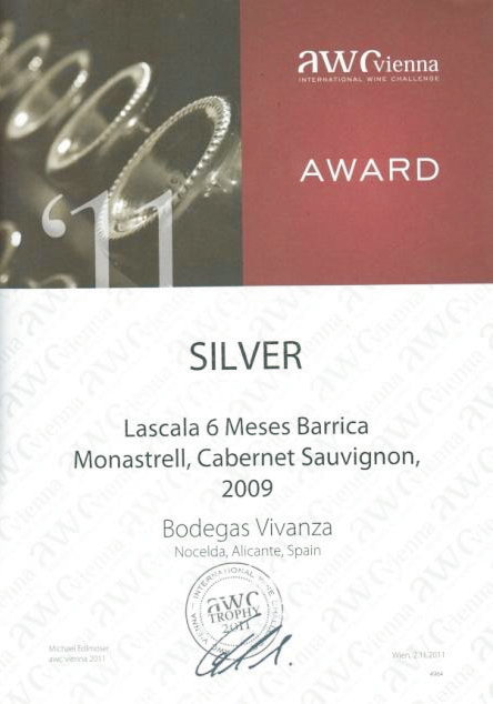 "International competition diploma and silver medal of AWC Wienna for ""Lascala 6 Meses Barrica"""