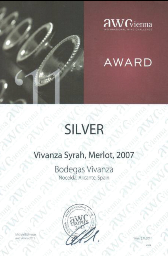 "International competition diploma and silver medal of AWC Wienna for ""Vivanza Syrah, Merlot"""